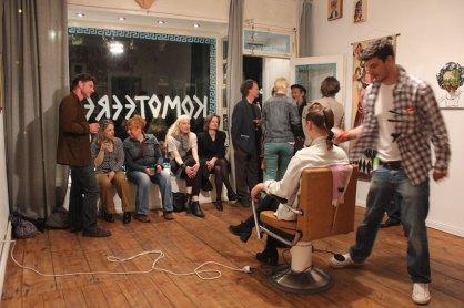 Akis Akila doing Nikkis Hair at Komoteereeo - Galerie Crystal Ball Berlin